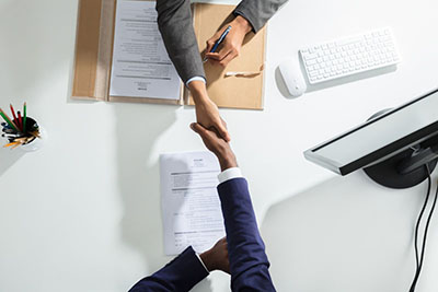 What to Look for When Hiring the Right Employee